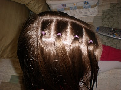 прическа для девочки из хвостиков и косичек, фото 1