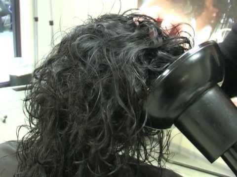 укладка волос диффузором