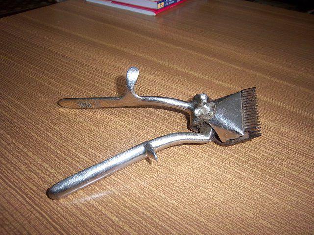 Механическая парикмахерская машинка